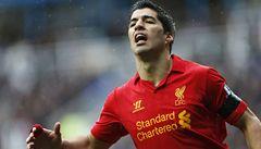 Suárez z Liverpoolu dostal za kousnutí soupeře trest na deset zápasů
