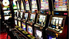 Do nelegálních heren Život je hrou jsou namočeni hazardní byznysmeni
