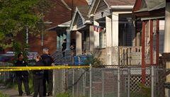 Policie našla v domě v Clevelandu řetězy. Ženy mohly občas na dvorek