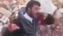 Ničeho nelituji, v zásobě mám další video, slibuje syrský rebel-kanibal