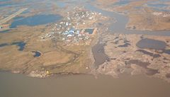 První klimatičtí uprchlíci USA. Lidem na Aljašce mizí půda pod nohama