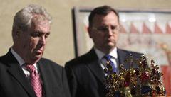 Miloš Zeman vrávoral při odemykání korunovačních klenotů