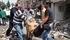 Při pumových útocích zemřelo 43 lidí, Turecko se chce bránit
