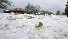 Varování: v Čechách hrozí ve středu odpoledne a večer silné bouře