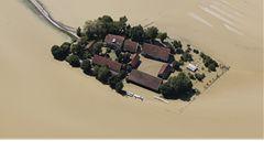 Němci hledají viníka povodní a ohlíží se do Čech. Rakušané zase do Bavor