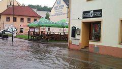 Vyhlášenými restauracemi se prohnala voda. Improvizují a vaří dál