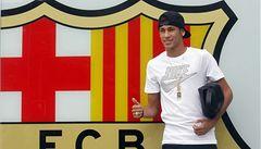 Neymar podepsal v Barceloně pětiletou smlouvu