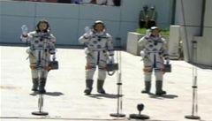 Čína poslala do Vesmíru kosmickou loď. Mezi posádkou byla i žena