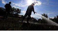 Zvýšené riziko infekcí potrvá po povodních ještě měsíce