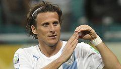 Forlán nedal penaltu. Sláva někdejšího hrdiny Uruguaye uvadá