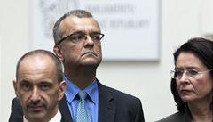 Vláda Zemanových kamarádů nemůže prosadit rozpočet, říká Kalousek