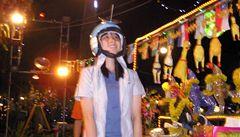 Létající kuřata a tančící roboti jsou tahákem bangkockých restaurací
