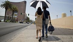 Extrémní vedra v USA. V Las Vegas naměřili 48° C, jeden člověk zemřel
