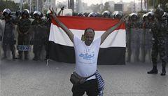 Útoky na Sinaji pokračují. Egyptská armáda likviduje islamisty