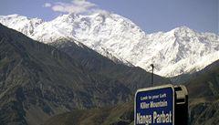 Ozbrojenci v severním Pákistánu zabili devět horolezců