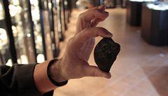 Vědci se snaží zjistit původ meteoritu, který dopadl na Ural