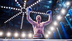 Boxer Konečný jednoznačně porazil Fhimu a obhájil titul