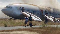 Havárie Boeingu 777. Nejdřív lidé zachraňovali kufry, až pak děti