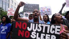 Je to rasista, proto zabil našeho syna, tvrdí rodiče zastřeleného černocha