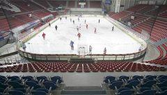 Bělohlav a spol. si pronajali stadion. Zachrání budějovický hokej?