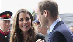 Kate trápí těhotenská nevolnost, na první samostatnou cestu nepojede
