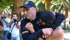 Zabij gaye, volali extremisté v Černé Hoře