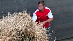 Slavisté pomáhali odklízet povodňové škody v pražské zoo