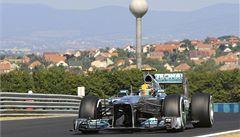 Završil kvalifikační hattrick. Hamilton vyhrál i v Maďarsku