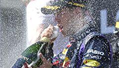 Vettel si stěžoval na Räikkönena. To bylo z horka, říkal v cíli
