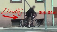 Jak dlouho vydrží nezamčené kolo na ulici? V Hradci Králové jen 4 minuty