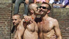 Homosexuálům je nejlépe žije v Británii. V Česku se mají podprůměrně