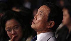 Japonský ministr se chtěl inspirovat nacisty. Teď se omlouvá