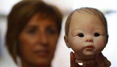 Hygienici před Vánocemi zabavili tisíce závadných panenek