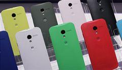 Motorola představila nový smartphone. Sází na velkou nabídku barev