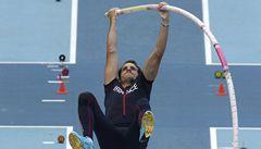 Lavillenie skočil 616 cm a vymazal z tabulek Bubkův rekord v hale