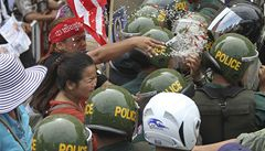 Kambodžské úřady vydělávají na vysidlování tisíců lidí
