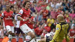 Arsenal na úvod sezony padl. Smutnili i Čelůstka s Vydrou