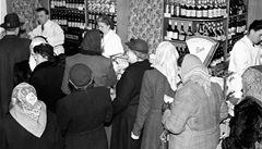 Pivo za dvě koruny, máslo za deset. Jak se v Česku změnily ceny za 40 let