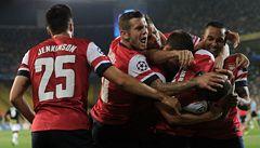 Rosický vyhrál souboj s Kadlecem, Arsenal nakročil do Ligy mistrů