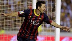 Barceloně vyhrála díky hattricku Messiho. Ligu tak dál vede
