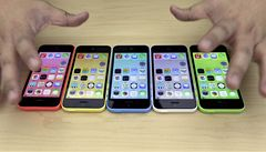 Šlápl Apple vedle? Nový 'iPhone pro chudé' je pro Číňany stále moc drahý