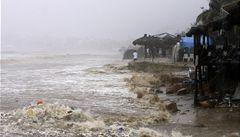 Hurikán Ingrid v Mexiku zabíjí. Ze západu zemi ohrožuje další bouře