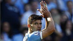 Poradil mu Bolt. Agüero táhne Manchester City, zničil Plzeň i United