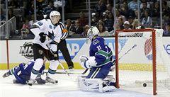 Hertl zářil v přípravě NHL za San Jose. Vancouveru dal dva góly
