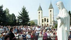 Věřící v Medjugorji hlásí nový zázrak. Panna Marie se rozsvítila