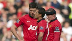 Manchester United se trápí. Fanoušci prosí Fergusona, aby se vrátil