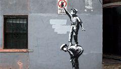 Street art v ohrožení? Banksy prohrál spor s výrobcem blahopřání o ochrannou známku