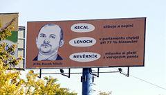 Billboardy zesměšňující Haška zmizely z dálnice. Odstranění nařídil kraj