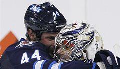 Winnipeg po čtyřech prohrách zvítězil, Pavelec vychytal nájezdy