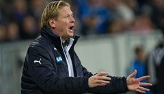 Leverkusen zvítězil a vede bundesligu díky gólu dírou v boční síti